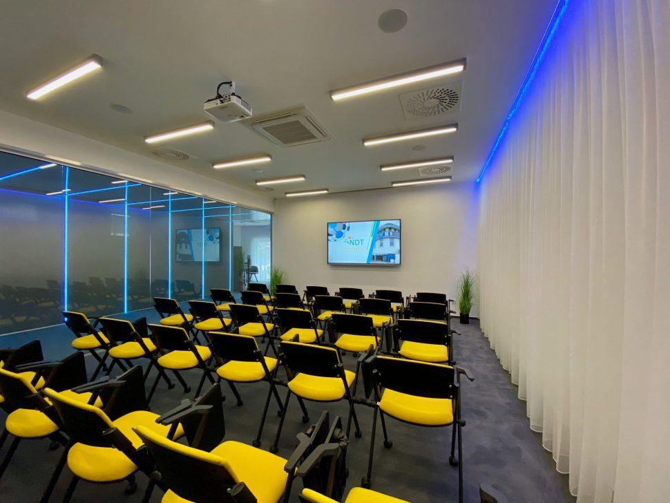 NDTcentrum_miestnost1_koferencne sedenie1