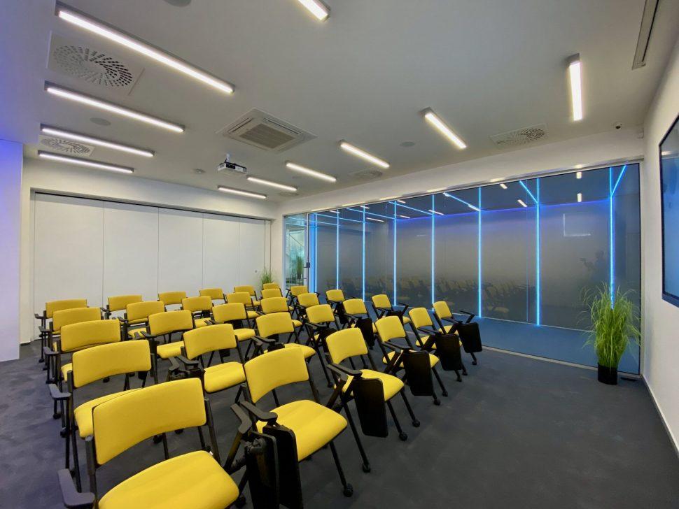 NDTcentrum_miestnost1_koferencne sedenie2