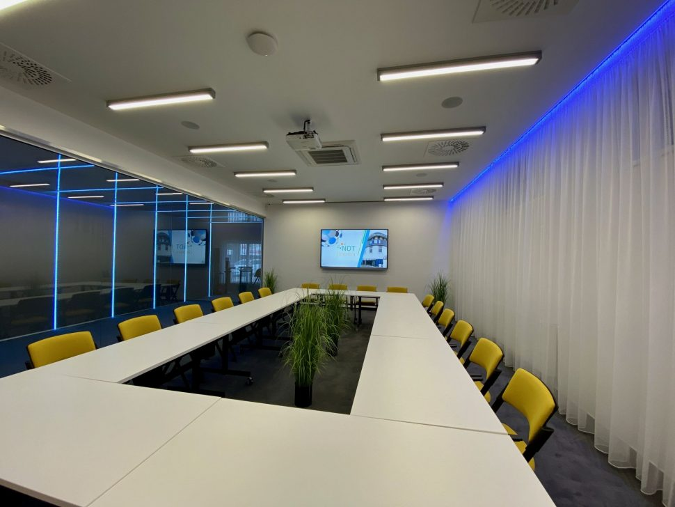 NDTcentrum_miestnost1_sedenie_01