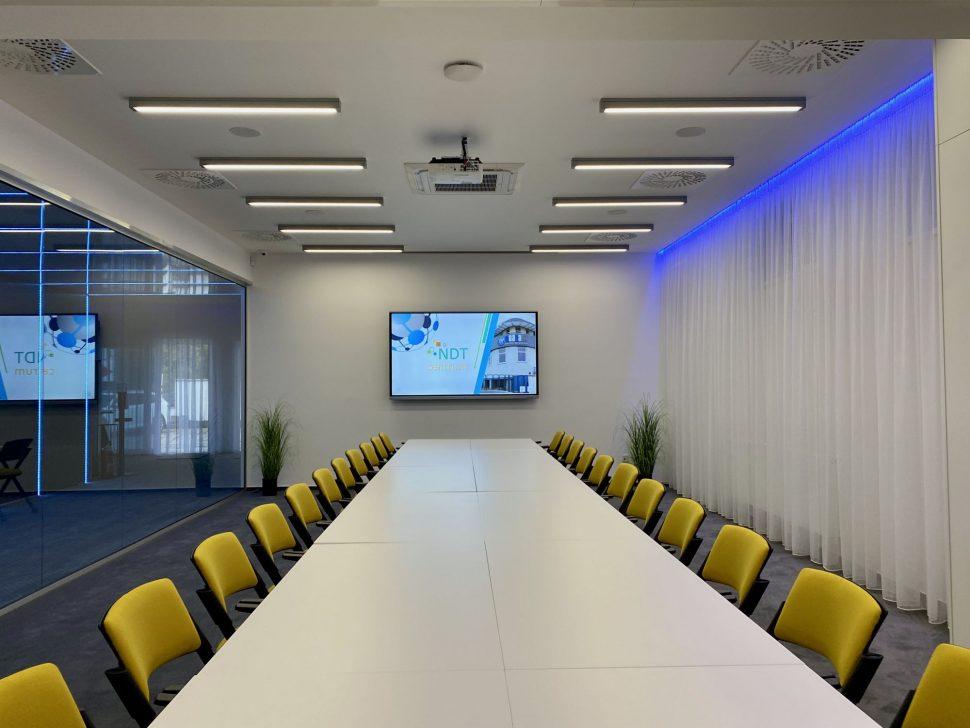 NDTcentrum_miestnost1_sedenie_I1